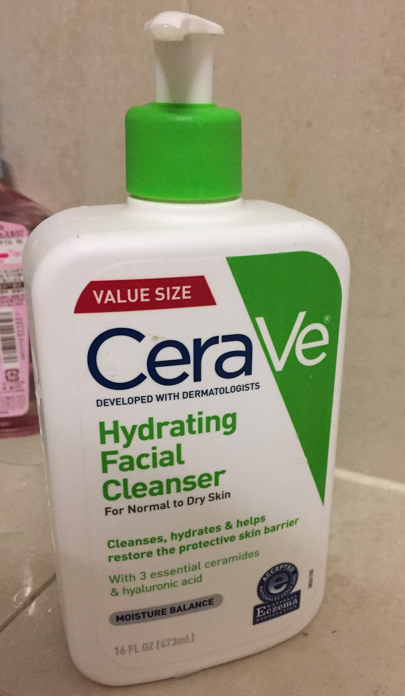 CeraVe Hydrating Facial Cleanser Review
