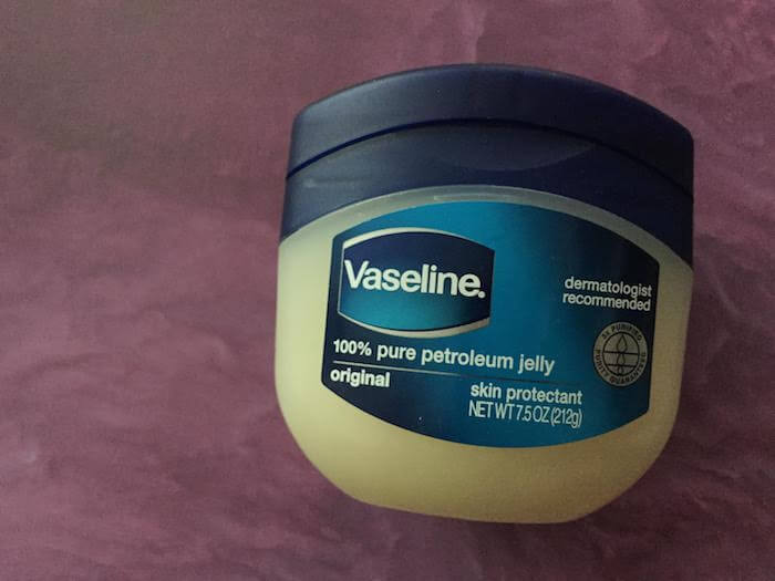 Benefits of Vaseline for extremely dry skin petrolatum petroleum jelly