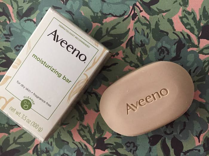 Aveeno Moisturizing Bar for Dry Skin formula change + review