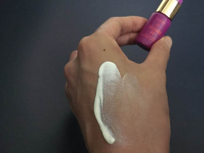 tarte tarteguard SPF 30 sunscreen review blends in smoothly without leaving too much of a white cast